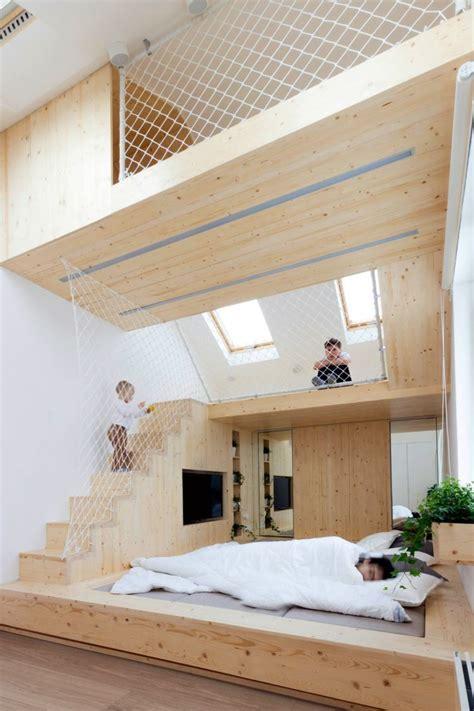 Aire de jeux en bois dans la chambre  une idée par Ruetemple