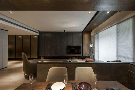 Interior : Stone And Wood Make A Dark, Masculine Interior