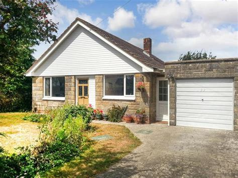 2 Bedroom Bungalow For Sale In Highfield Road Cowes Po31
