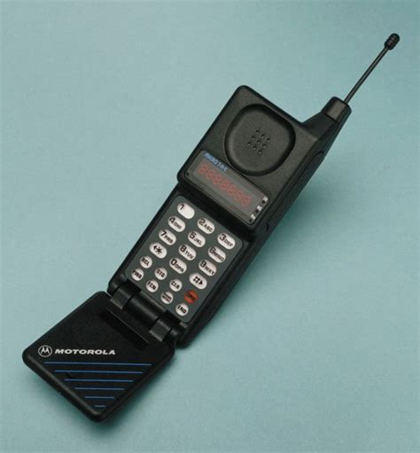 on the 40th anniversary of the cellphone call