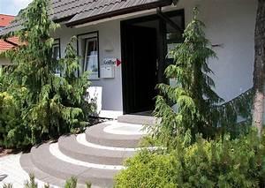 Hauseingang Treppe Modern : hauseingangstreppe rund aus betonstein ~ Yasmunasinghe.com Haus und Dekorationen