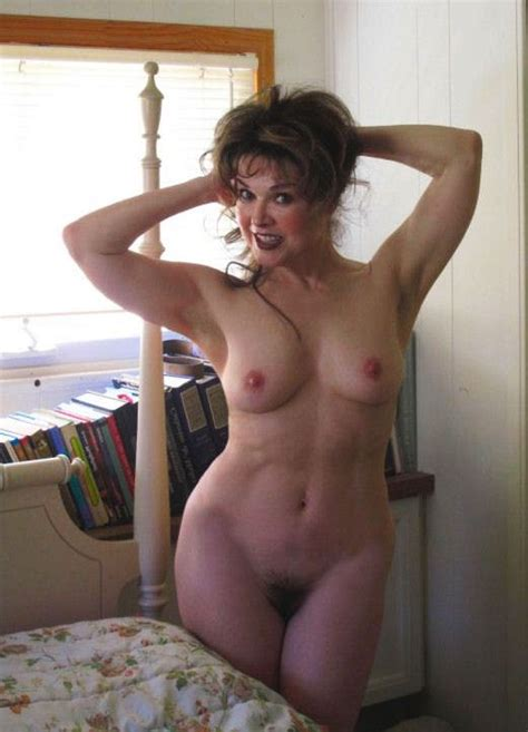 Helena rojo nude pics