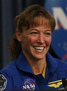 People's Daily Online -- U.S. astronaut arrested for ...