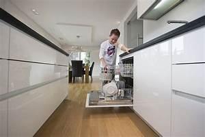 Parkett In Küche : parkett ein boden f r alle r ume von der guten stube in die kochecke initiative pik ~ Markanthonyermac.com Haus und Dekorationen