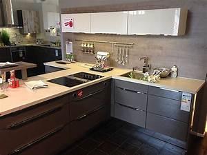Küche T Form : xeno k chen musterk che hochglanz lackiert in t form mit ~ Michelbontemps.com Haus und Dekorationen