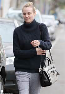 what is a commitment ring joshua jackson 39 s leading diane kruger turns up for