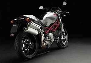 Ducati Monster S4r Testastretta 2007 Fiche Technique
