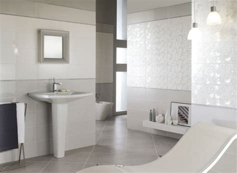 Badezimmer Modern Fliesen Hell by Glanzvolle Moderne Bad Fliesen Novabell
