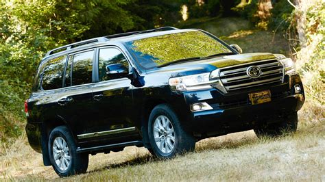 2019 Toyota Land Cruiser Engine Hd Wallpapers Car