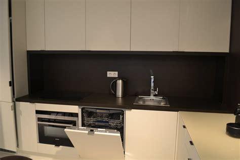 reduction cuisine ikea awesome la cuisine amnage avec des caissons basiques ikea est avec un plan de travail et une