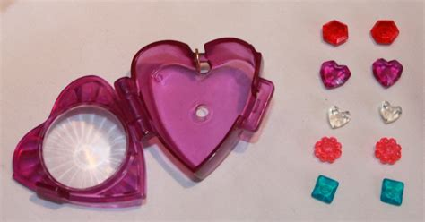 Polly Island Hammock by 1996 Polly Pocket Magic Sparkle