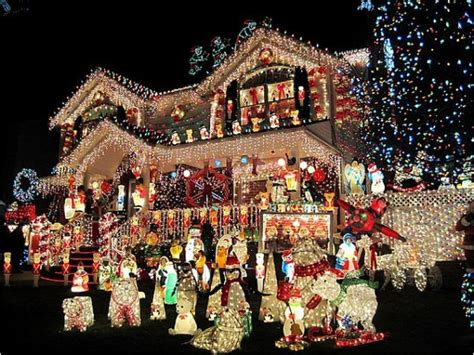 best christmas light displays most spectacular over the top christmas light displays