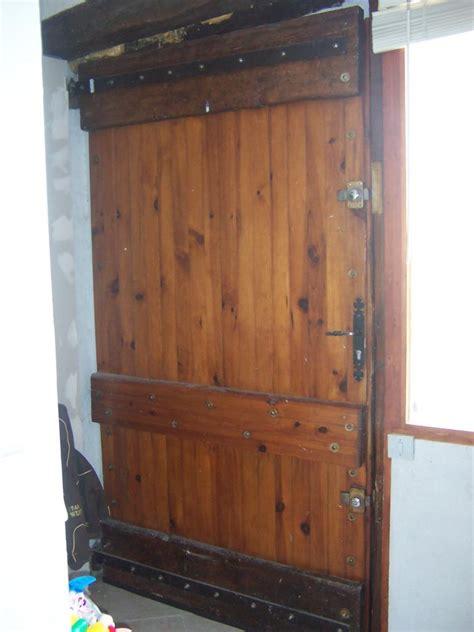 am 233 liorer isolation d une porte en bois