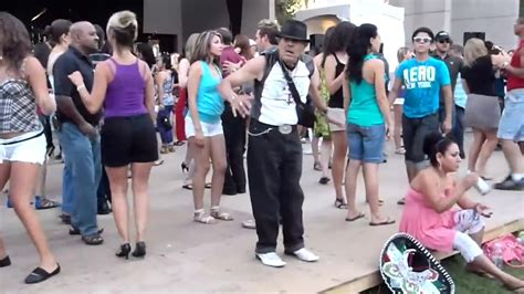 Funny Old Man Dancing Salsa And Reggaeton YouTube