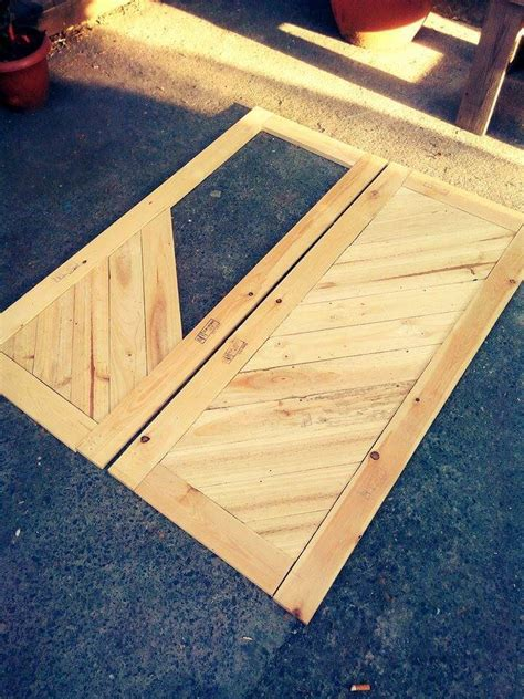 Kitchen Cabinet Doors From Pallets by How To Build Pallet Cabinet For Storage Easy Pallet Ideas