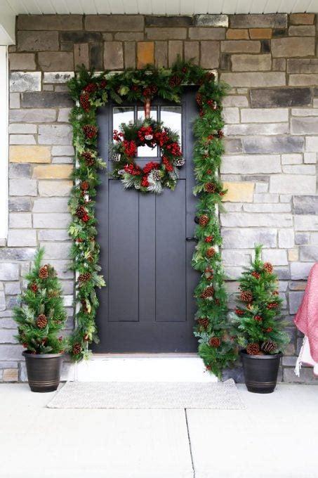 simple christmas porch decor   girl   blog