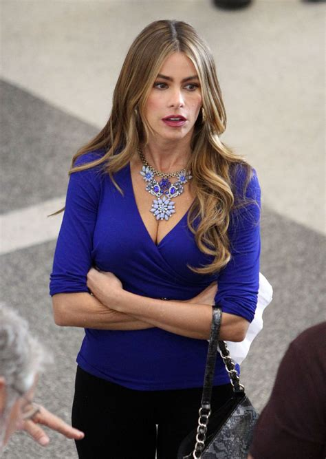 sofia vergara on the set of modern family at lax airport celebzz celebzz