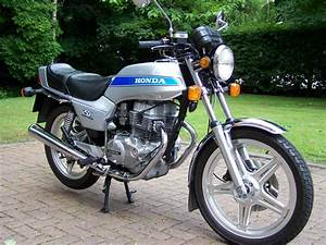 Restored Honda CB250N Superdream -1979 Photographs at