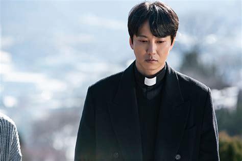 """""""대사부터 다르다""""… 김남길이 이끄는 '열혈사제'의 이유 ..."""