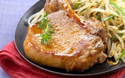 cuisiner des cotes de porc recette côtes de porc laquées au miel 750g
