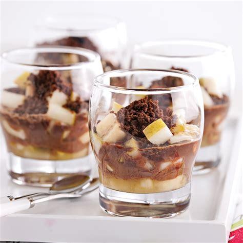verrines de banane poire chocolat et crumble desserts recettes 5 15 recettes express 5
