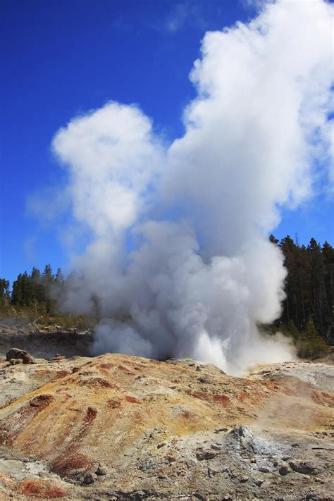 Steamboat Geyser Eruption by Most Geysers Around The World That Are Truly
