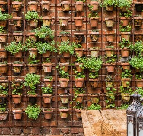 Home Design Ideas Decorating Gardening by 22 Diy Vertical Garden Wall Ideas Page 17 Of 22 Worthminer