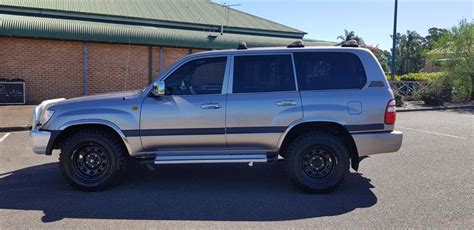 The toyota land cruiser leaves all other 4x4s behind with driving pleasure that just carries on growing as the kilometers roll by. 2002 TOYOTA LANDCRUISER HDJ100R GXL MANUAL WAGON ...