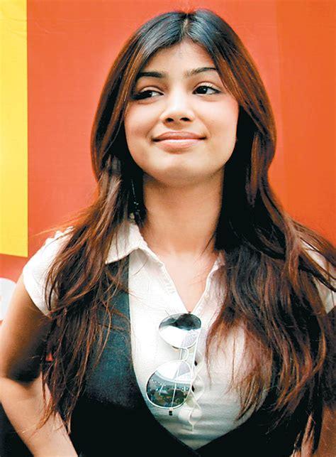bollywood actress hot wallpapers  ayesha takia hot