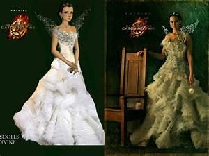 The wedding dress that Katniss Everdeen (Jennifer Lawrence ...