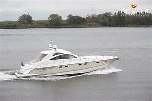 FAIRLINE TARGA 52 GRAN TURISMO Motor Yacht For Sale De