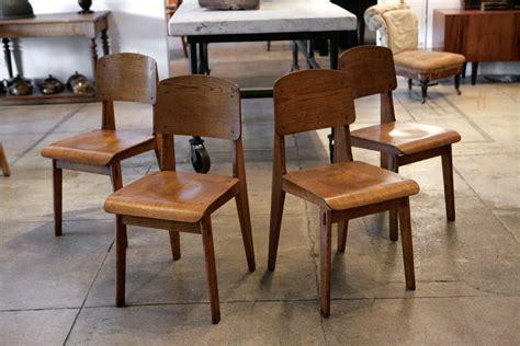 chaise jean prouvé jean prouve set of 4 39 chaise tout en bois 39 chairs ca