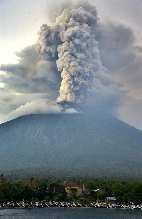 mount agung bali volcano eruption   worse daily