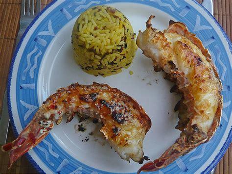 cuisiner queue de langouste poissons crustaces recettes astuces et déco