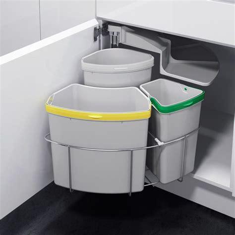 poubelle de cuisine encastrable les 25 meilleures idées de la catégorie poubelle tri sur poubelle de tri poubelles