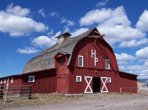 Why Are American Barns Red