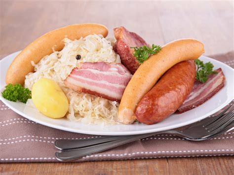 recettes cuisine alsacienne traditionnelle ma choucroute toute simple recette de ma choucroute