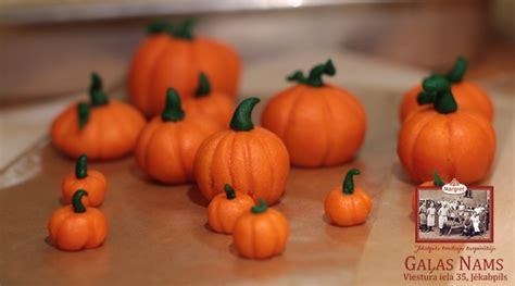 Helovīna noskaņai - marcipāna ķirbji | Jēkabpils Gaļas Nams