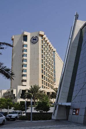Zimmer Bettbereich - Picture of Sheraton Bahrain Hotel ...