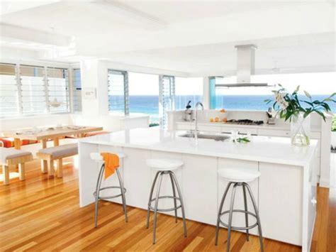 white  ivory kitchen  beach house glossy white