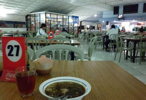Warung adem ayem menyediakan berbagai macam menu makanan seperti nasi campur, nasi pecel, nasi lodeg dll. Jadwal Keberangkatan Bus Eka Cepat Surabaya - Semarang