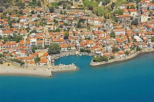 Nafpaktos Harbour In Nafpaktos Greece Marina Reviews