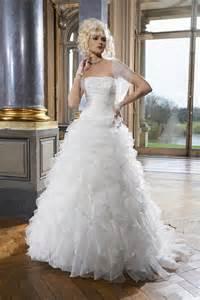le de robe de mariée tomy mariage 2015 modèle gateau - Tomy Mariage