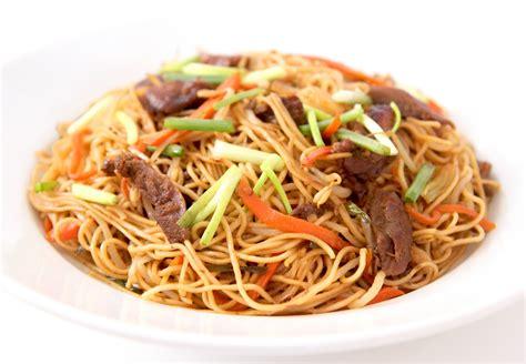 cuisiner nouilles chinoises la cuisine de bernard nouilles sautées chinoises aux
