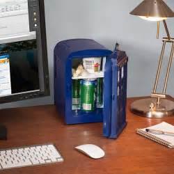frigo de bureau mini frigo dr who le frigo de bureau tardis de la série