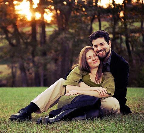 autumn photoshoot ideas fall photo shoot ideas couples in love pinterest