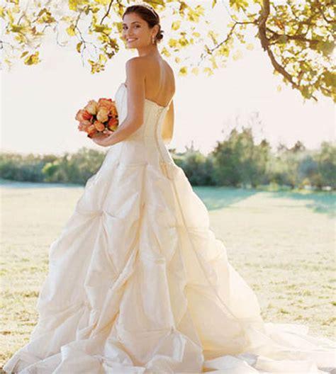 contemporary wedding modern wedding dresses trend sang maestro