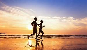 7 Brain And Body Boosting Benefits Of Exercising On The Beach