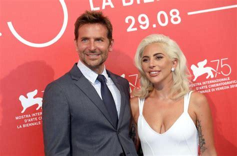 Lady Gaga Et Bradley Cooper Main Dans La Main à Venise