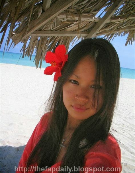 Sweet Pinoy Girl At The Beach Philippines Blog Pilipinas Blog